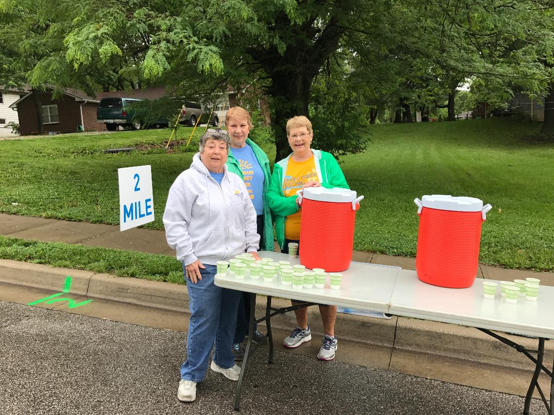 Water Station 1 volunteers